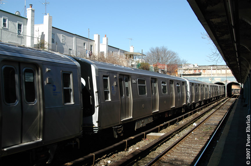 (178k, 864x574)<br><b>Country:</b> United States<br><b>City:</b> New York<br><b>System:</b> New York City Transit<br><b>Line:</b> BMT Sea Beach Line<br><b>Location:</b> 18th Avenue <br><b>Car:</b> R-160B (Kawasaki, 2005-2008)  8847 <br><b>Photo by:</b> Peter Ehrlich<br><b>Date:</b> 4/20/2007<br><b>Viewed (this week/total):</b> 6 / 1358