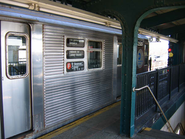 (49k, 600x450)<br><b>Country:</b> United States<br><b>City:</b> New York<br><b>System:</b> New York City Transit<br><b>Line:</b> BMT Culver Line<br><b>Location:</b> Kings Highway <br><b>Route:</b> F<br><b>Car:</b> R-32 (Budd, 1964)  3589 <br><b>Photo by:</b> Professor J<br><b>Date:</b> 4/20/2007<br><b>Viewed (this week/total):</b> 0 / 2313