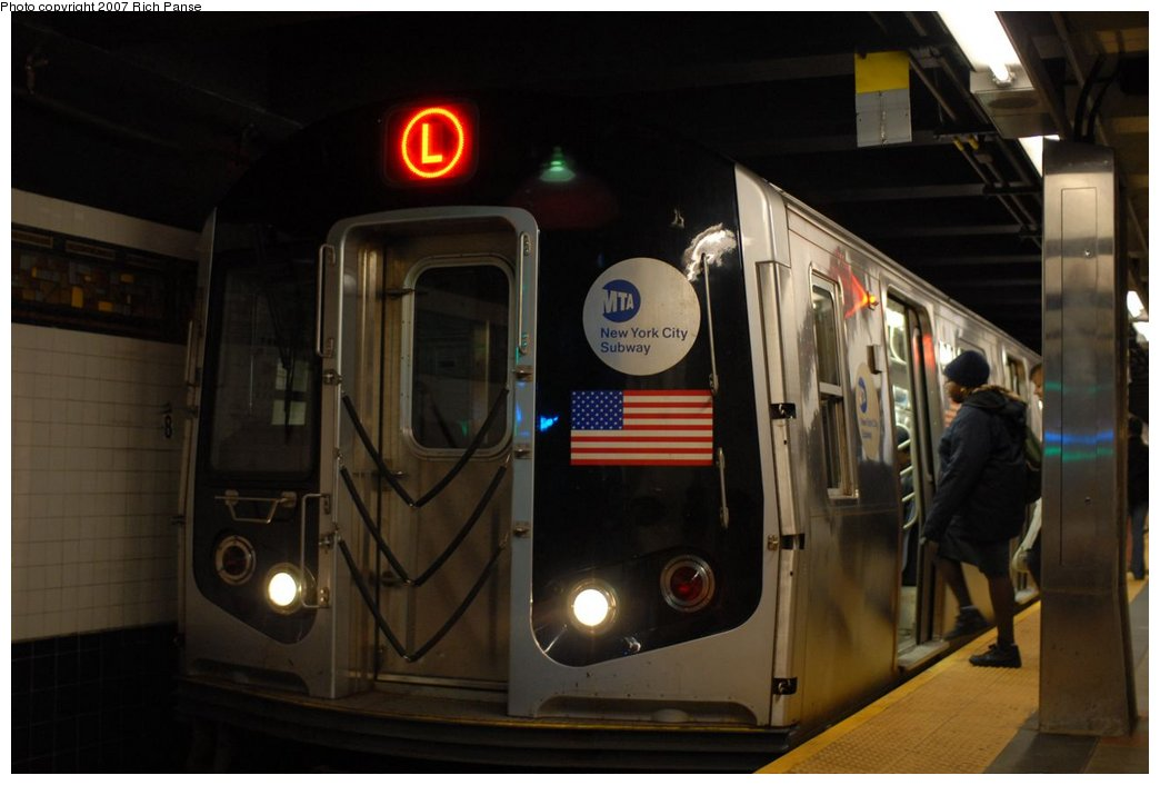 (131k, 1044x706)<br><b>Country:</b> United States<br><b>City:</b> New York<br><b>System:</b> New York City Transit<br><b>Line:</b> BMT Canarsie Line<br><b>Location:</b> Myrtle Avenue <br><b>Route:</b> L<br><b>Car:</b> R-143 (Kawasaki, 2001-2002)  <br><b>Photo by:</b> Richard Panse<br><b>Date:</b> 4/20/2007<br><b>Viewed (this week/total):</b> 0 / 2160