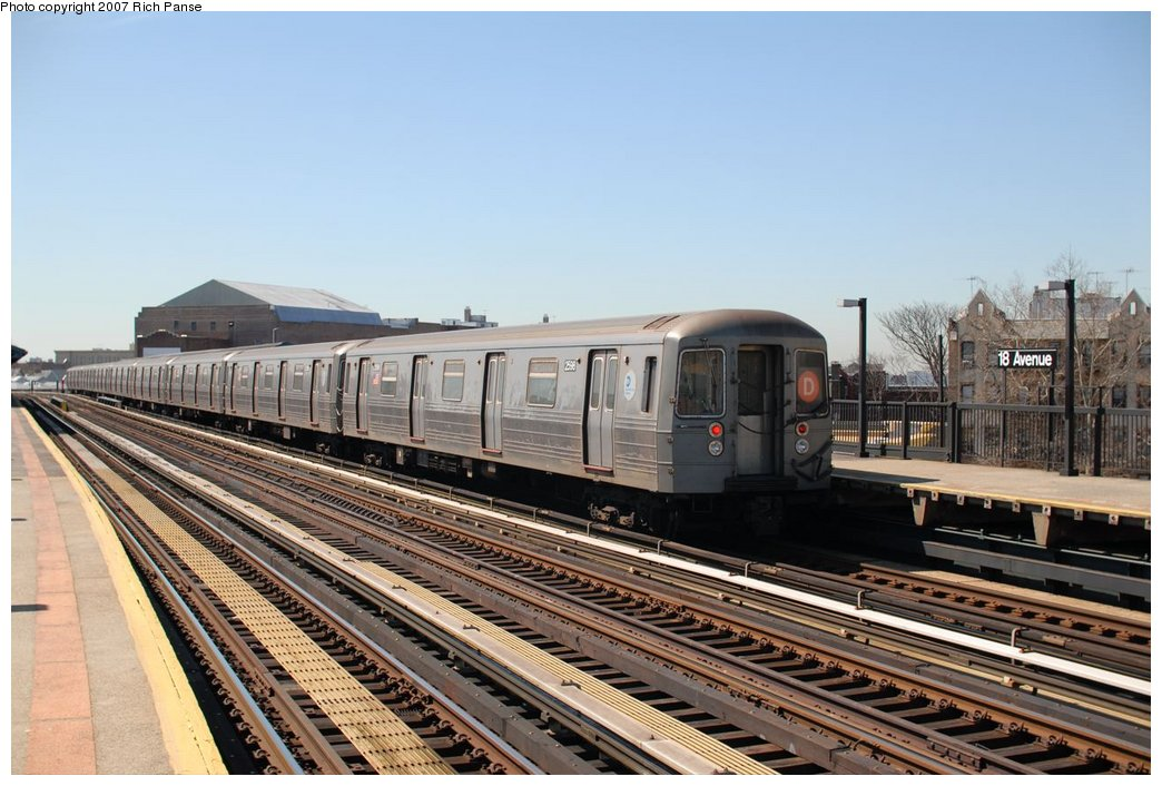 (186k, 1044x706)<br><b>Country:</b> United States<br><b>City:</b> New York<br><b>System:</b> New York City Transit<br><b>Line:</b> BMT West End Line<br><b>Location:</b> 18th Avenue <br><b>Route:</b> D<br><b>Car:</b> R-68 (Westinghouse-Amrail, 1986-1988)  2588 <br><b>Photo by:</b> Richard Panse<br><b>Date:</b> 4/20/2007<br><b>Viewed (this week/total):</b> 3 / 1030