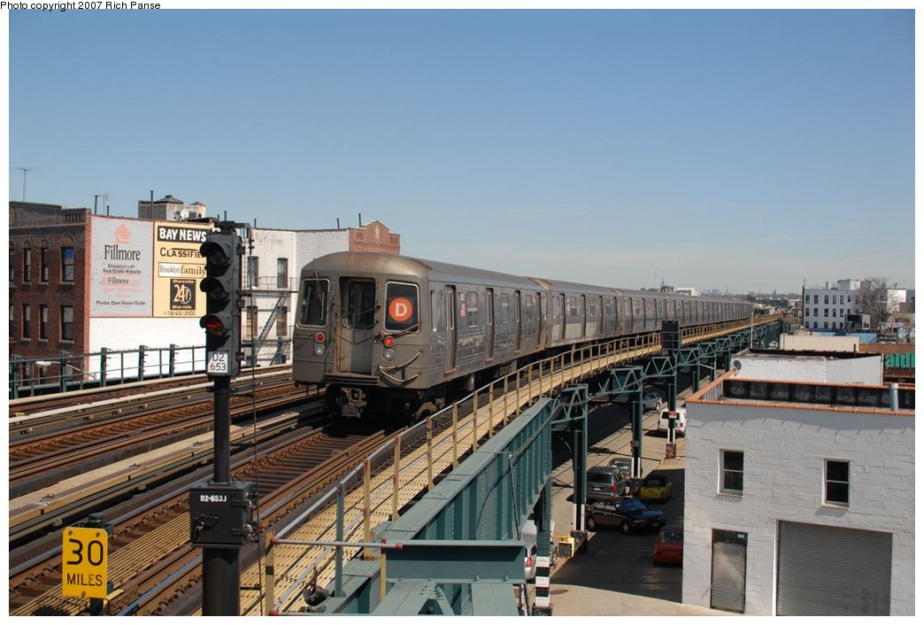 (177k, 1044x706)<br><b>Country:</b> United States<br><b>City:</b> New York<br><b>System:</b> New York City Transit<br><b>Line:</b> BMT West End Line<br><b>Location:</b> 18th Avenue <br><b>Route:</b> D<br><b>Car:</b> R-68 (Westinghouse-Amrail, 1986-1988)   <br><b>Photo by:</b> Richard Panse<br><b>Date:</b> 4/20/2007<br><b>Viewed (this week/total):</b> 1 / 1727