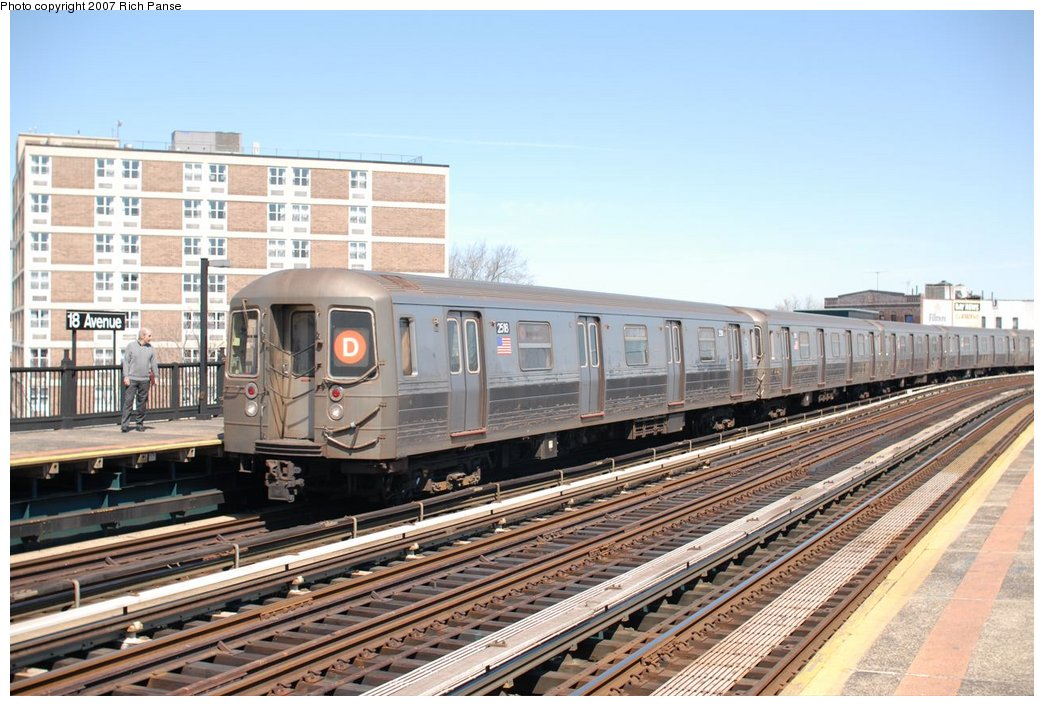 (198k, 1044x706)<br><b>Country:</b> United States<br><b>City:</b> New York<br><b>System:</b> New York City Transit<br><b>Line:</b> BMT West End Line<br><b>Location:</b> 18th Avenue <br><b>Route:</b> D<br><b>Car:</b> R-68 (Westinghouse-Amrail, 1986-1988)  2518 <br><b>Photo by:</b> Richard Panse<br><b>Date:</b> 4/20/2007<br><b>Viewed (this week/total):</b> 0 / 1564