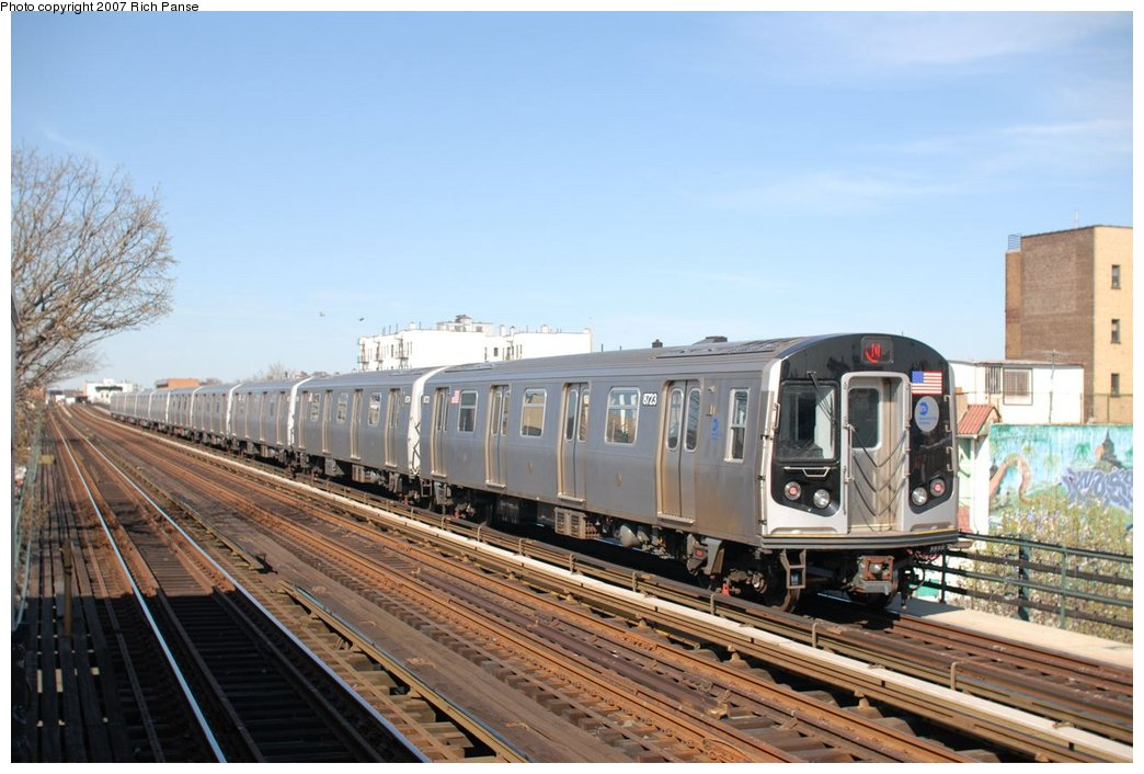 (173k, 1044x706)<br><b>Country:</b> United States<br><b>City:</b> New York<br><b>System:</b> New York City Transit<br><b>Line:</b> BMT Astoria Line<br><b>Location:</b> 36th/Washington Aves. <br><b>Route:</b> N<br><b>Car:</b> R-160B (Kawasaki, 2005-2008)  8723 <br><b>Photo by:</b> Richard Panse<br><b>Date:</b> 4/20/2007<br><b>Viewed (this week/total):</b> 1 / 1681