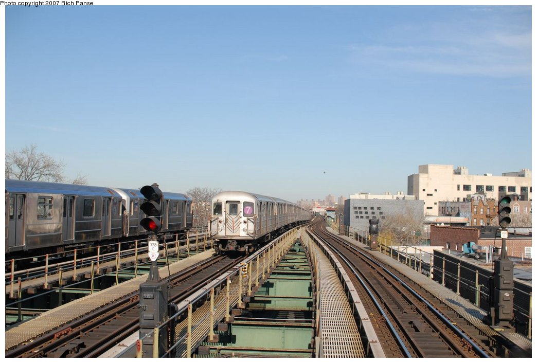 (172k, 1044x706)<br><b>Country:</b> United States<br><b>City:</b> New York<br><b>System:</b> New York City Transit<br><b>Line:</b> IRT Flushing Line<br><b>Location:</b> Junction Boulevard <br><b>Route:</b> 7<br><b>Car:</b> R-62A (Bombardier, 1984-1987)   <br><b>Photo by:</b> Richard Panse<br><b>Date:</b> 4/20/2007<br><b>Viewed (this week/total):</b> 4 / 1211