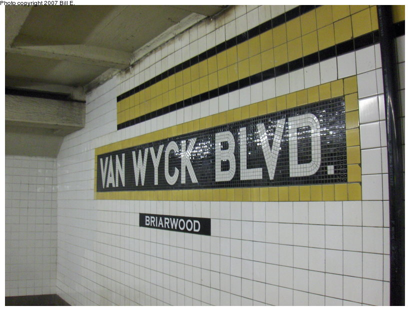 (102k, 820x622)<br><b>Country:</b> United States<br><b>City:</b> New York<br><b>System:</b> New York City Transit<br><b>Line:</b> IND Queens Boulevard Line<br><b>Location:</b> Briarwood/Van Wyck Boulevard <br><b>Photo by:</b> Bill E.<br><b>Date:</b> 4/23/2007<br><b>Viewed (this week/total):</b> 1 / 1081