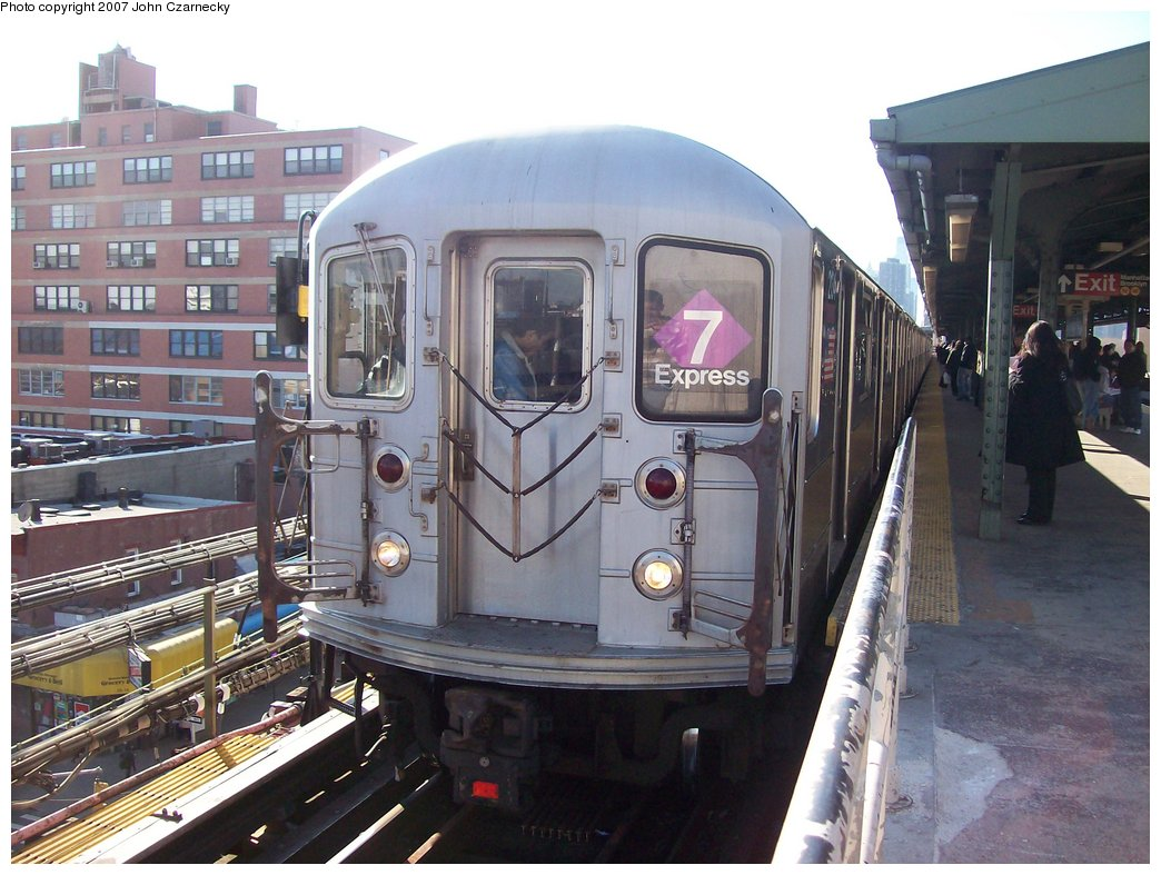 (177k, 1044x787)<br><b>Country:</b> United States<br><b>City:</b> New York<br><b>System:</b> New York City Transit<br><b>Line:</b> IRT Flushing Line<br><b>Location:</b> Queensborough Plaza <br><b>Route:</b> 7<br><b>Car:</b> R-62A (Bombardier, 1984-1987)  2214 <br><b>Photo by:</b> John Czarnecky<br><b>Date:</b> 4/9/2007<br><b>Viewed (this week/total):</b> 0 / 2182