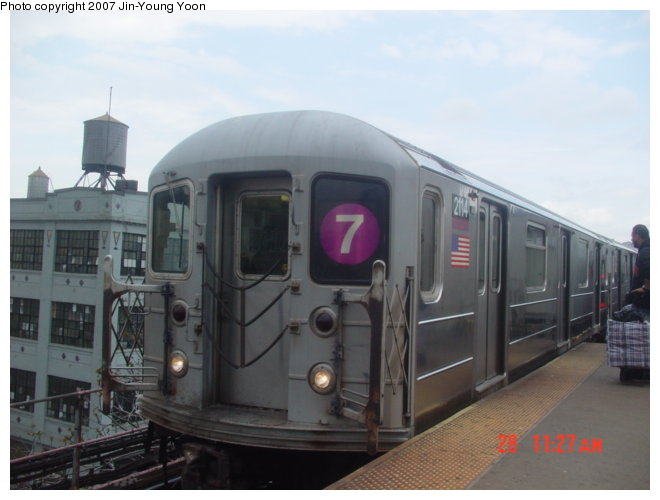 (57k, 660x500)<br><b>Country:</b> United States<br><b>City:</b> New York<br><b>System:</b> New York City Transit<br><b>Line:</b> IRT Flushing Line<br><b>Location:</b> Queensborough Plaza <br><b>Route:</b> 7<br><b>Car:</b> R-62A (Bombardier, 1984-1987)  2114 <br><b>Photo by:</b> Jin-Young Yoon<br><b>Date:</b> 4/28/2007<br><b>Viewed (this week/total):</b> 2 / 1586