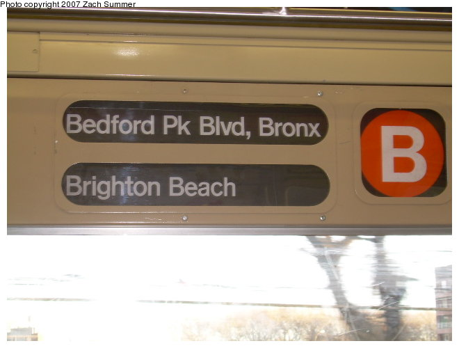(84k, 660x500)<br><b>Country:</b> United States<br><b>City:</b> New York<br><b>System:</b> New York City Transit<br><b>Route:</b> B<br><b>Car:</b> R-40 (St. Louis, 1968)  Interior <br><b>Photo by:</b> Zach Summer<br><b>Date:</b> 11/21/2006<br><b>Viewed (this week/total):</b> 1 / 1769