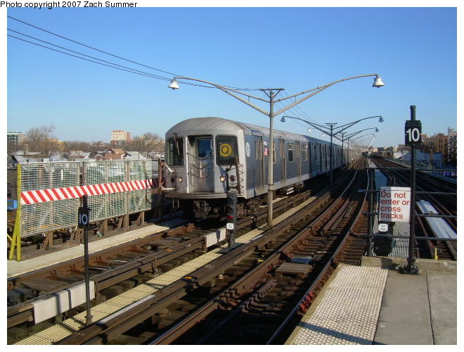 (130k, 660x500)<br><b>Country:</b> United States<br><b>City:</b> New York<br><b>System:</b> New York City Transit<br><b>Line:</b> BMT Brighton Line<br><b>Location:</b> Ocean Parkway <br><b>Route:</b> Q<br><b>Car:</b> R-42 (St. Louis, 1969-1970)   <br><b>Photo by:</b> Zach Summer<br><b>Date:</b> 12/2/2006<br><b>Viewed (this week/total):</b> 4 / 2351