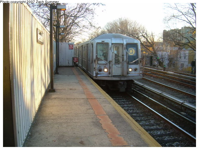(130k, 660x500)<br><b>Country:</b> United States<br><b>City:</b> New York<br><b>System:</b> New York City Transit<br><b>Line:</b> BMT Brighton Line<br><b>Location:</b> Avenue M <br><b>Route:</b> Q<br><b>Car:</b> R-40 (St. Louis, 1968)   <br><b>Photo by:</b> Zach Summer<br><b>Date:</b> 12/2/2006<br><b>Viewed (this week/total):</b> 2 / 1861