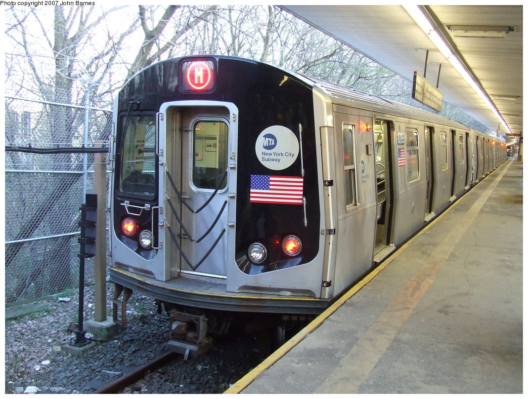 (239k, 1044x788)<br><b>Country:</b> United States<br><b>City:</b> New York<br><b>System:</b> New York City Transit<br><b>Line:</b> BMT Myrtle Avenue Line<br><b>Location:</b> Metropolitan Avenue <br><b>Route:</b> M<br><b>Car:</b> R-143 (Kawasaki, 2001-2002) 8285 <br><b>Photo by:</b> John Barnes<br><b>Date:</b> 4/21/2007<br><b>Viewed (this week/total):</b> 1 / 2347