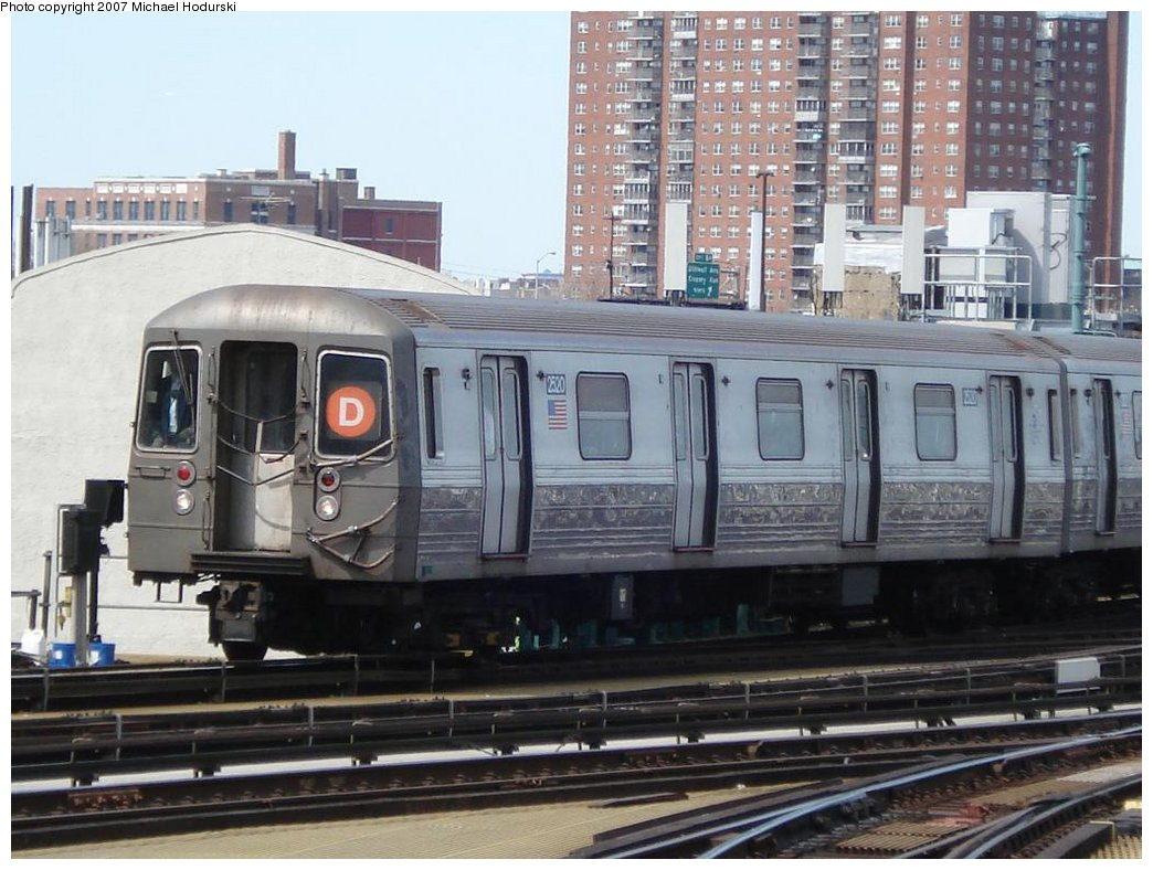 (184k, 1044x788)<br><b>Country:</b> United States<br><b>City:</b> New York<br><b>System:</b> New York City Transit<br><b>Location:</b> Coney Island/Stillwell Avenue<br><b>Route:</b> D<br><b>Car:</b> R-68 (Westinghouse-Amrail, 1986-1988)  2520 <br><b>Photo by:</b> Michael Hodurski<br><b>Date:</b> 4/21/2007<br><b>Viewed (this week/total):</b> 5 / 1943