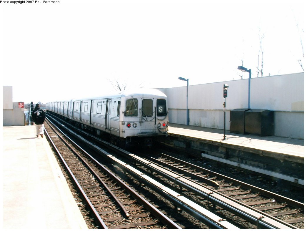 (191k, 1044x788)<br><b>Country:</b> United States<br><b>City:</b> New York<br><b>System:</b> New York City Transit<br><b>Line:</b> IND Rockaway<br><b>Location:</b> Broad Channel <br><b>Route:</b> A<br><b>Car:</b> R-44 (St. Louis, 1971-73) 5456 <br><b>Photo by:</b> Paul Ferbrache<br><b>Date:</b> 4/10/2007<br><b>Viewed (this week/total):</b> 3 / 1364