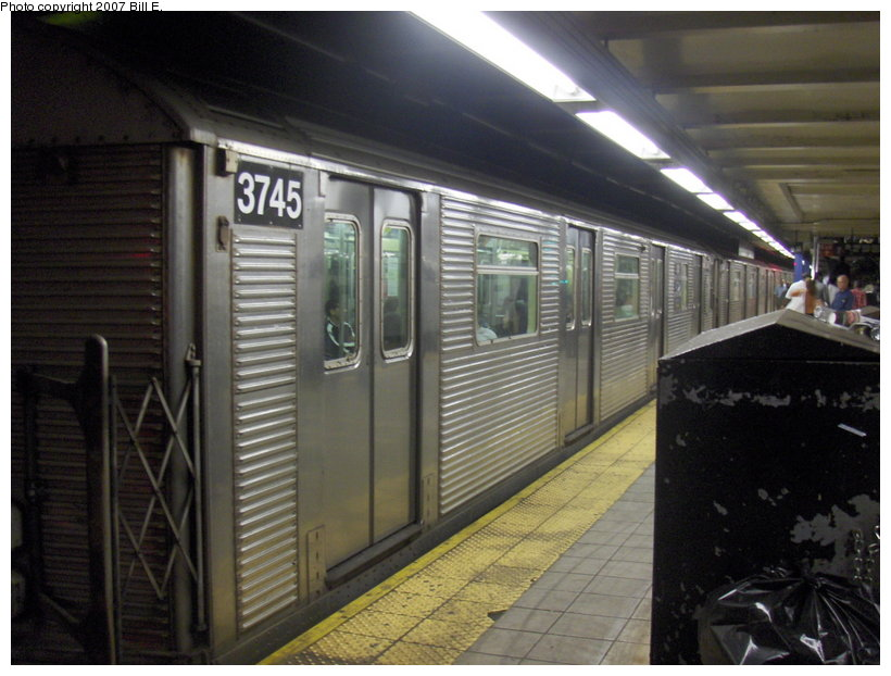 (105k, 820x622)<br><b>Country:</b> United States<br><b>City:</b> New York<br><b>System:</b> New York City Transit<br><b>Line:</b> IND Queens Boulevard Line<br><b>Location:</b> Roosevelt Avenue <br><b>Route:</b> E<br><b>Car:</b> R-32 (Budd, 1964)  3745 <br><b>Photo by:</b> Bill E.<br><b>Date:</b> 5/5/2007<br><b>Viewed (this week/total):</b> 2 / 2049