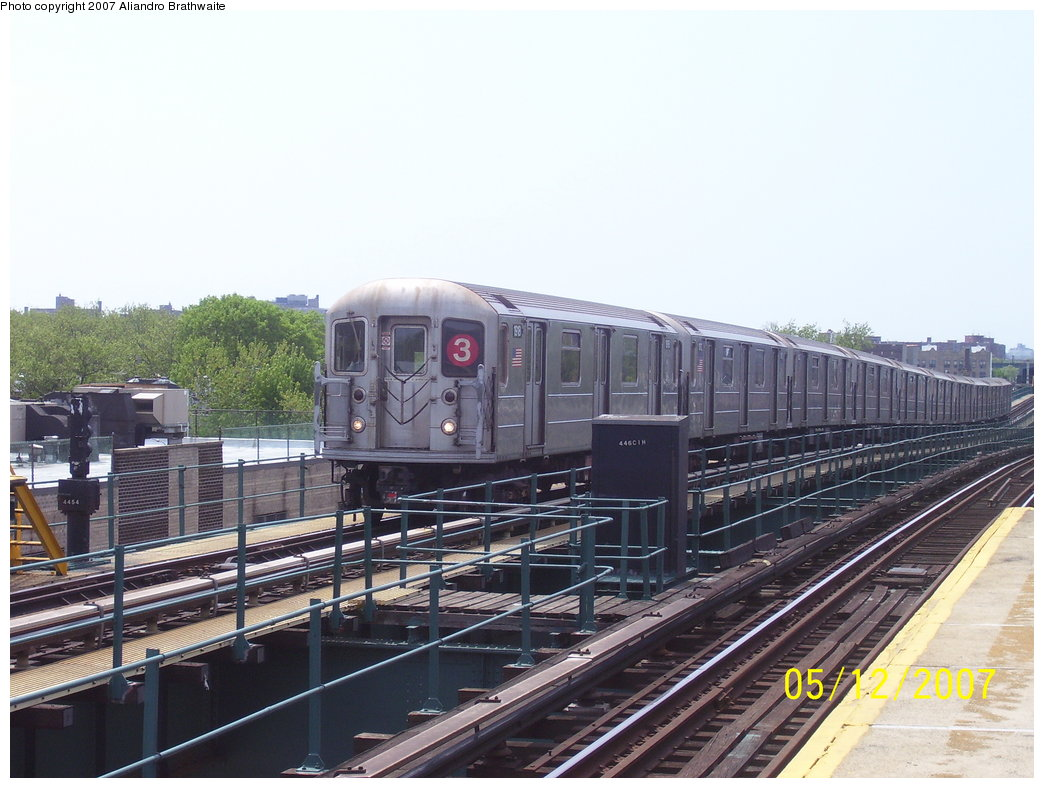 (174k, 1044x788)<br><b>Country:</b> United States<br><b>City:</b> New York<br><b>System:</b> New York City Transit<br><b>Line:</b> IRT Brooklyn Line<br><b>Location:</b> Van Siclen Avenue <br><b>Route:</b> 3<br><b>Car:</b> R-62A (Bombardier, 1984-1987)  1918 <br><b>Photo by:</b> Aliandro Brathwaite<br><b>Date:</b> 5/12/2007<br><b>Viewed (this week/total):</b> 0 / 1548