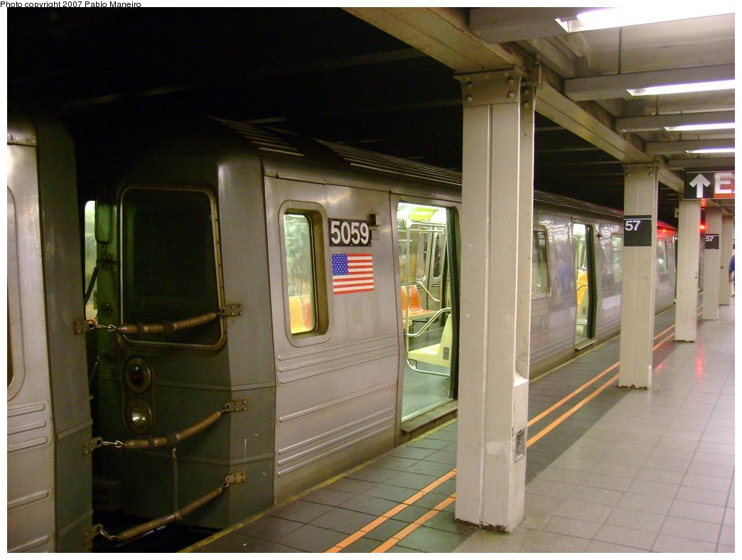 (153k, 1044x788)<br><b>Country:</b> United States<br><b>City:</b> New York<br><b>System:</b> New York City Transit<br><b>Line:</b> BMT Broadway Line<br><b>Location:</b> 57th Street <br><b>Route:</b> N<br><b>Car:</b> R-68A (Kawasaki, 1988-1989)  5059 <br><b>Photo by:</b> Pablo Maneiro<br><b>Date:</b> 5/17/2007<br><b>Viewed (this week/total):</b> 1 / 2323