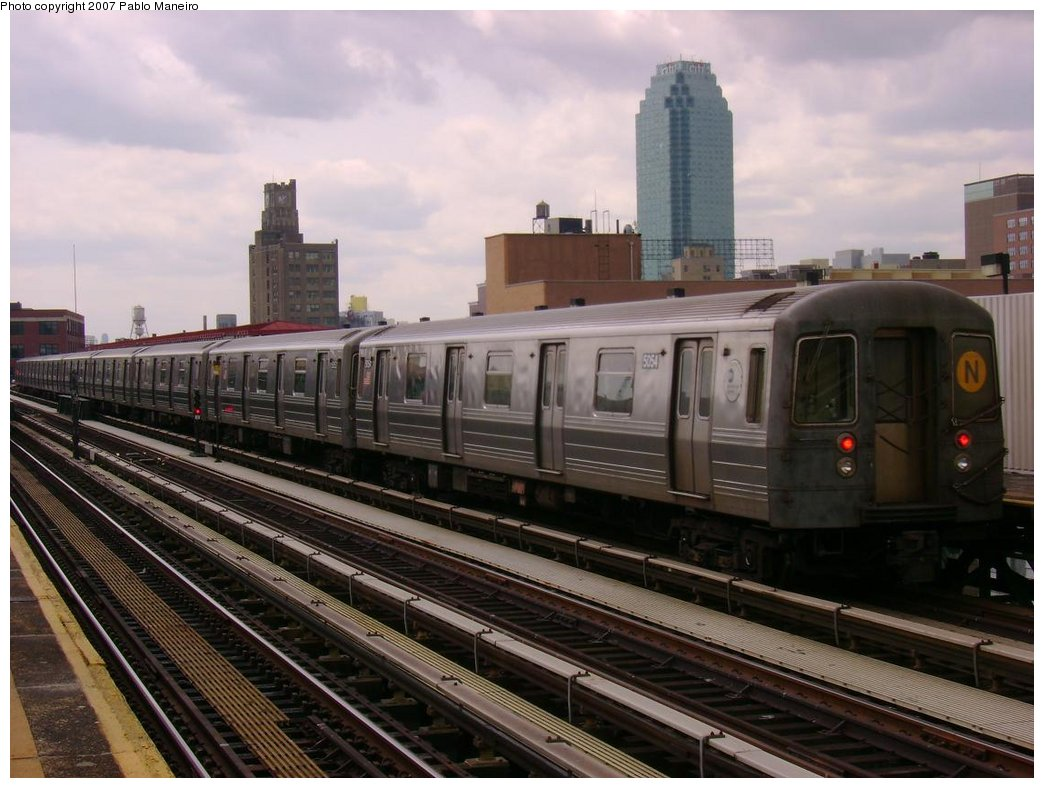 (173k, 1044x788)<br><b>Country:</b> United States<br><b>City:</b> New York<br><b>System:</b> New York City Transit<br><b>Line:</b> BMT Astoria Line<br><b>Location:</b> 39th/Beebe Aves. <br><b>Route:</b> N<br><b>Car:</b> R-68A (Kawasaki, 1988-1989)  5054 <br><b>Photo by:</b> Pablo Maneiro<br><b>Date:</b> 5/17/2007<br><b>Viewed (this week/total):</b> 2 / 1004