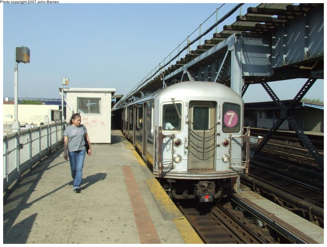 (182k, 1044x788)<br><b>Country:</b> United States<br><b>City:</b> New York<br><b>System:</b> New York City Transit<br><b>Line:</b> IRT Flushing Line<br><b>Location:</b> 111th Street <br><b>Route:</b> 7<br><b>Car:</b> R-62A (Bombardier, 1984-1987)  1716 <br><b>Photo by:</b> John Barnes<br><b>Date:</b> 5/15/2007<br><b>Viewed (this week/total):</b> 3 / 1979