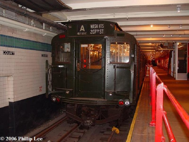 (91k, 800x600)<br><b>Country:</b> United States<br><b>City:</b> New York<br><b>System:</b> New York City Transit<br><b>Location:</b> New York Transit Museum<br><b>Car:</b> R-1 (American Car & Foundry, 1930-1931) 100 <br><b>Photo by:</b> Phillip Lee<br><b>Date:</b> 3/24/2006<br><b>Viewed (this week/total):</b> 3 / 2901