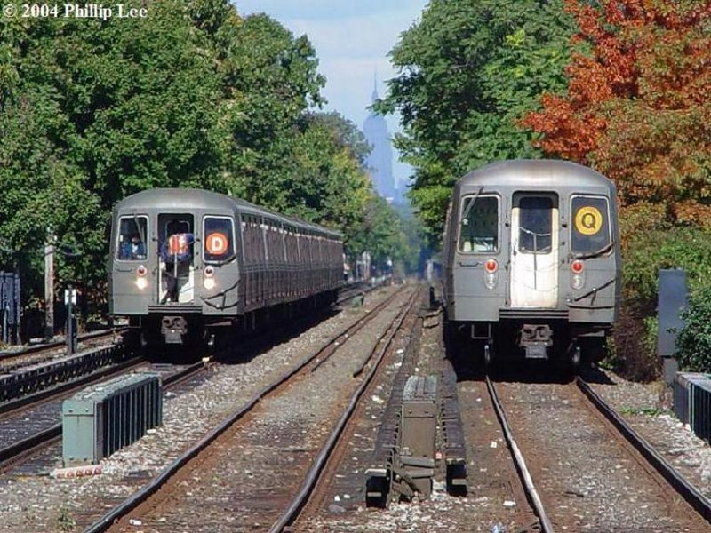 (151k, 800x600)<br><b>Country:</b> United States<br><b>City:</b> New York<br><b>System:</b> New York City Transit<br><b>Line:</b> BMT Brighton Line<br><b>Location:</b> Kings Highway <br><b>Route:</b> D/Q<br><b>Car:</b> R-68/R-68A Series (Number Unknown)  <br><b>Photo by:</b> Phillip Lee<br><b>Date:</b> 10/24/2004<br><b>Viewed (this week/total):</b> 4 / 2940