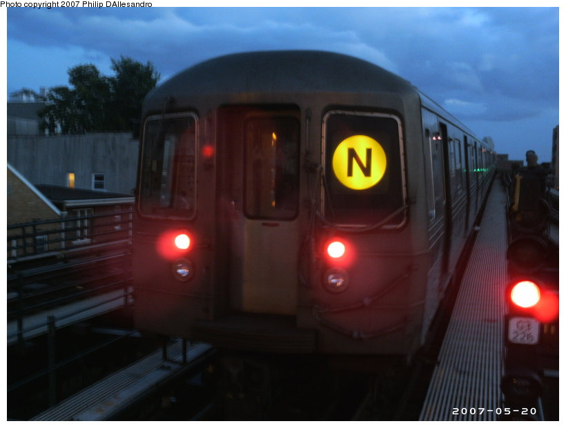 (77k, 820x620)<br><b>Country:</b> United States<br><b>City:</b> New York<br><b>System:</b> New York City Transit<br><b>Line:</b> BMT Astoria Line<br><b>Location:</b> Astoria Boulevard/Hoyt Avenue <br><b>Route:</b> N<br><b>Car:</b> R-68/R-68A Series (Number Unknown)  <br><b>Photo by:</b> Philip D'Allesandro<br><b>Date:</b> 5/20/2007<br><b>Notes:</b> Laid up on middle track.<br><b>Viewed (this week/total):</b> 0 / 1726