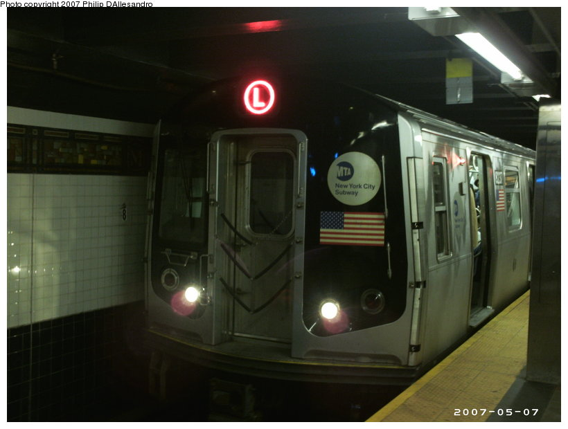 (80k, 820x620)<br><b>Country:</b> United States<br><b>City:</b> New York<br><b>System:</b> New York City Transit<br><b>Line:</b> BMT Canarsie Line<br><b>Location:</b> Myrtle Avenue <br><b>Route:</b> L<br><b>Car:</b> R-143 (Kawasaki, 2001-2002) 8237 <br><b>Photo by:</b> Philip D'Allesandro<br><b>Date:</b> 5/7/2007<br><b>Viewed (this week/total):</b> 0 / 2029