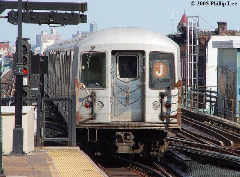 (103k, 799x590)<br><b>Country:</b> United States<br><b>City:</b> New York<br><b>System:</b> New York City Transit<br><b>Line:</b> BMT Nassau Street/Jamaica Line<br><b>Location:</b> Myrtle Avenue <br><b>Route:</b> J<br><b>Car:</b> R-42 (St. Louis, 1969-1970)   <br><b>Photo by:</b> Phillip Lee<br><b>Date:</b> 8/2/2005<br><b>Viewed (this week/total):</b> 0 / 1276