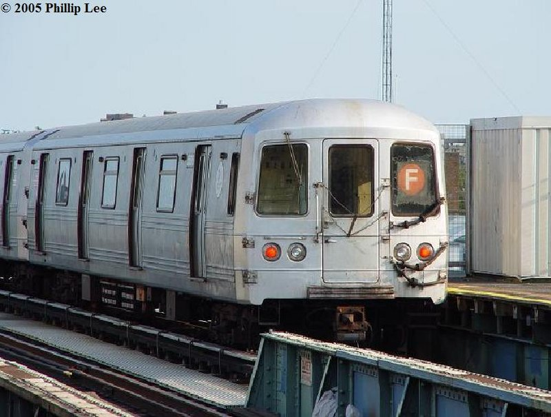 (98k, 800x605)<br><b>Country:</b> United States<br><b>City:</b> New York<br><b>System:</b> New York City Transit<br><b>Line:</b> BMT Culver Line<br><b>Location:</b> Bay Parkway (22nd Avenue) <br><b>Route:</b> F<br><b>Car:</b> R-46 (Pullman-Standard, 1974-75)  <br><b>Photo by:</b> Phillip Lee<br><b>Date:</b> 7/28/2006<br><b>Viewed (this week/total):</b> 1 / 1052