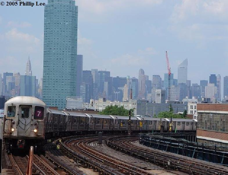 (92k, 785x603)<br><b>Country:</b> United States<br><b>City:</b> New York<br><b>System:</b> New York City Transit<br><b>Line:</b> IRT Flushing Line<br><b>Location:</b> 33rd Street/Rawson Street <br><b>Route:</b> 7<br><b>Car:</b> R-62A (Bombardier, 1984-1987)   <br><b>Photo by:</b> Phillip Lee<br><b>Date:</b> 8/2/2005<br><b>Viewed (this week/total):</b> 3 / 1297