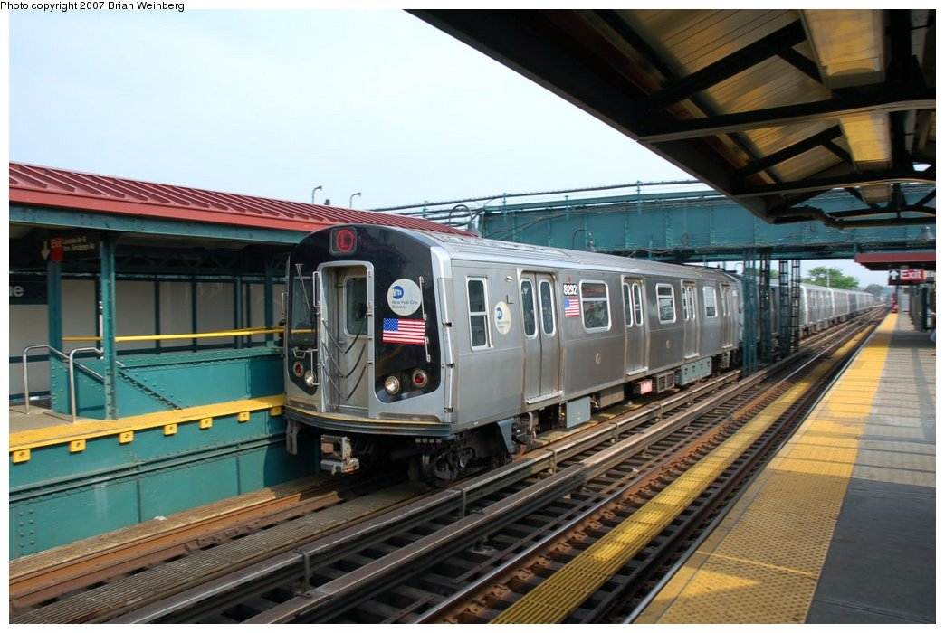 (213k, 1044x700)<br><b>Country:</b> United States<br><b>City:</b> New York<br><b>System:</b> New York City Transit<br><b>Line:</b> BMT Canarsie Line<br><b>Location:</b> Livonia Avenue <br><b>Route:</b> L<br><b>Car:</b> R-143 (Kawasaki, 2001-2002) 8292 <br><b>Photo by:</b> Brian Weinberg<br><b>Date:</b> 5/28/2007<br><b>Viewed (this week/total):</b> 2 / 2198