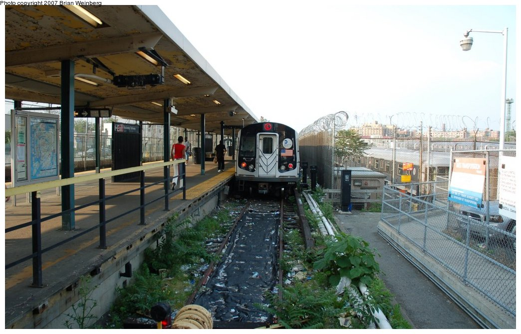 (217k, 1044x669)<br><b>Country:</b> United States<br><b>City:</b> New York<br><b>System:</b> New York City Transit<br><b>Line:</b> BMT Canarsie Line<br><b>Location:</b> Rockaway Parkway <br><b>Route:</b> L<br><b>Car:</b> R-143 (Kawasaki, 2001-2002) 8212 <br><b>Photo by:</b> Brian Weinberg<br><b>Date:</b> 5/28/2007<br><b>Viewed (this week/total):</b> 0 / 4128