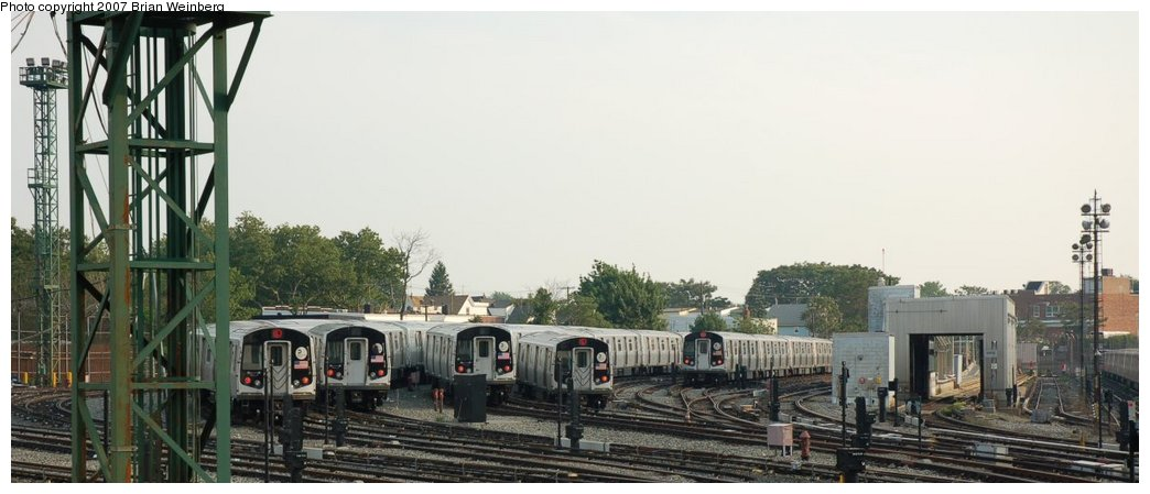 (157k, 1044x449)<br><b>Country:</b> United States<br><b>City:</b> New York<br><b>System:</b> New York City Transit<br><b>Location:</b> Rockaway Parkway (Canarsie) Yard<br><b>Car:</b> R-143 (Kawasaki, 2001-2002)  <br><b>Photo by:</b> Brian Weinberg<br><b>Date:</b> 5/28/2007<br><b>Viewed (this week/total):</b> 0 / 1904