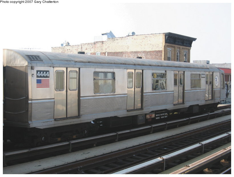 (84k, 820x620)<br><b>Country:</b> United States<br><b>City:</b> New York<br><b>System:</b> New York City Transit<br><b>Line:</b> BMT Astoria Line<br><b>Location:</b> 39th/Beebe Aves. <br><b>Route:</b> N<br><b>Car:</b> R-40 (St. Louis, 1968)  4444 <br><b>Photo by:</b> Gary Chatterton<br><b>Date:</b> 5/27/2007<br><b>Viewed (this week/total):</b> 1 / 1461