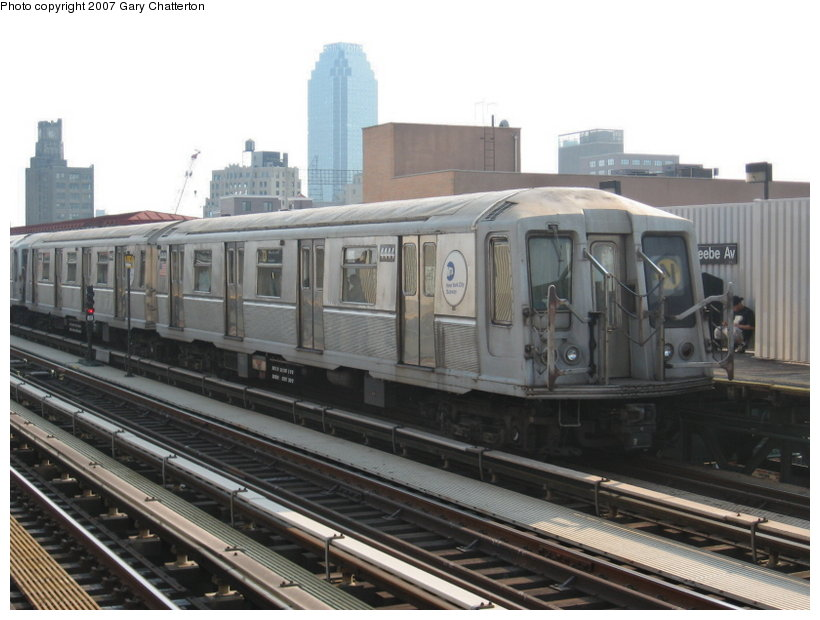 (99k, 820x620)<br><b>Country:</b> United States<br><b>City:</b> New York<br><b>System:</b> New York City Transit<br><b>Line:</b> BMT Astoria Line<br><b>Location:</b> 39th/Beebe Aves. <br><b>Route:</b> N<br><b>Car:</b> R-40 (St. Louis, 1968)  4444 <br><b>Photo by:</b> Gary Chatterton<br><b>Date:</b> 5/27/2007<br><b>Viewed (this week/total):</b> 1 / 1138