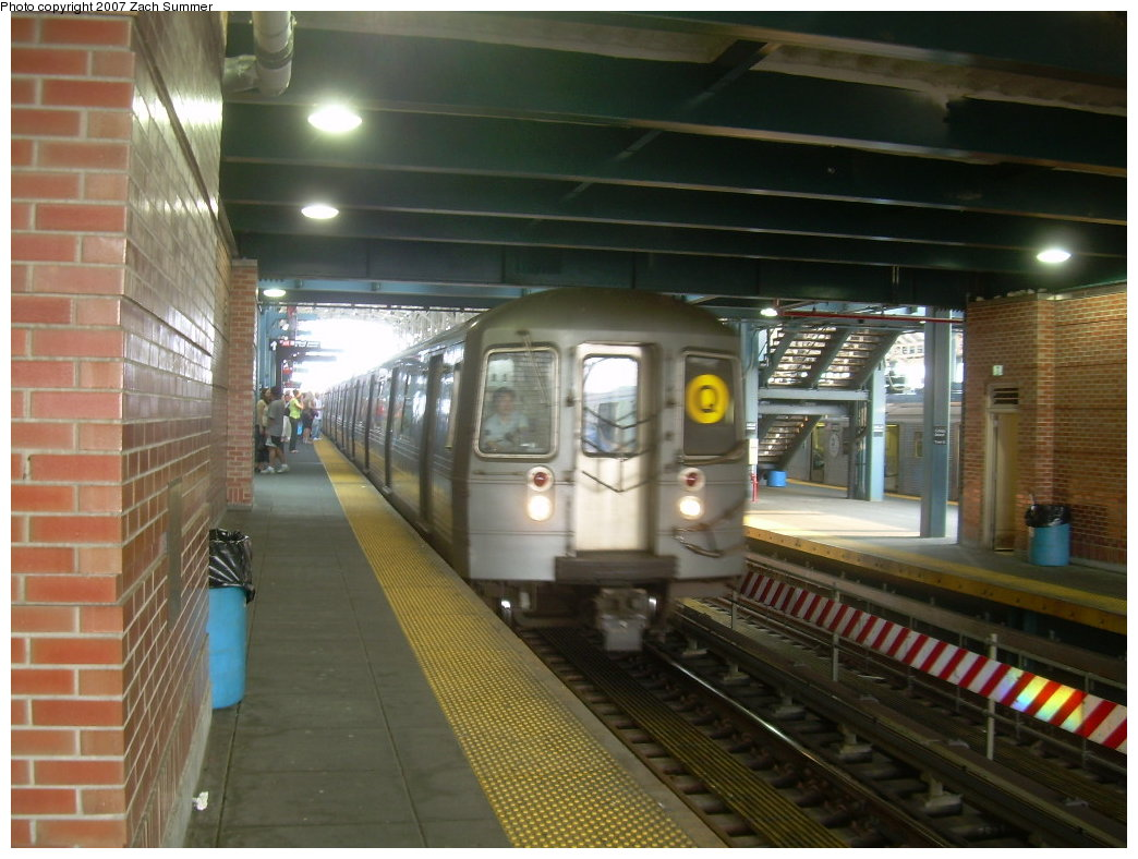 (197k, 1044x788)<br><b>Country:</b> United States<br><b>City:</b> New York<br><b>System:</b> New York City Transit<br><b>Location:</b> Coney Island/Stillwell Avenue<br><b>Route:</b> Q<br><b>Car:</b> R-68A (Kawasaki, 1988-1989)   <br><b>Photo by:</b> Zach Summer<br><b>Date:</b> 5/27/2007<br><b>Viewed (this week/total):</b> 0 / 1378