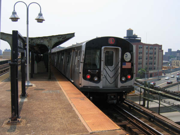 (39k, 600x450)<br><b>Country:</b> United States<br><b>City:</b> New York<br><b>System:</b> New York City Transit<br><b>Line:</b> BMT Canarsie Line<br><b>Location:</b> Atlantic Avenue <br><b>Route:</b> L<br><b>Car:</b> R-143 (Kawasaki, 2001-2002)  <br><b>Photo by:</b> Professor J<br><b>Date:</b> 6/1/2007<br><b>Viewed (this week/total):</b> 4 / 1404