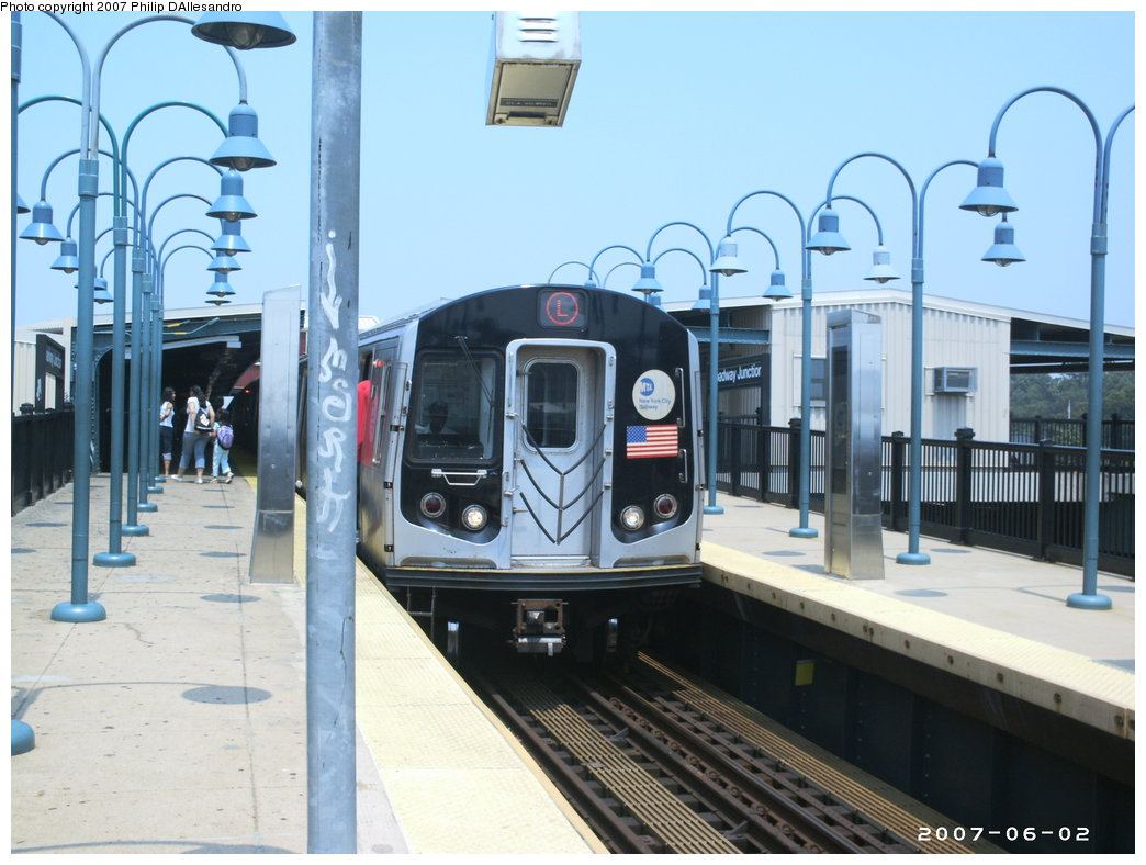 (163k, 1044x788)<br><b>Country:</b> United States<br><b>City:</b> New York<br><b>System:</b> New York City Transit<br><b>Line:</b> BMT Canarsie Line<br><b>Location:</b> Broadway Junction <br><b>Route:</b> L<br><b>Car:</b> R-143 (Kawasaki, 2001-2002)  <br><b>Photo by:</b> Philip D'Allesandro<br><b>Date:</b> 6/2/2007<br><b>Viewed (this week/total):</b> 0 / 1513