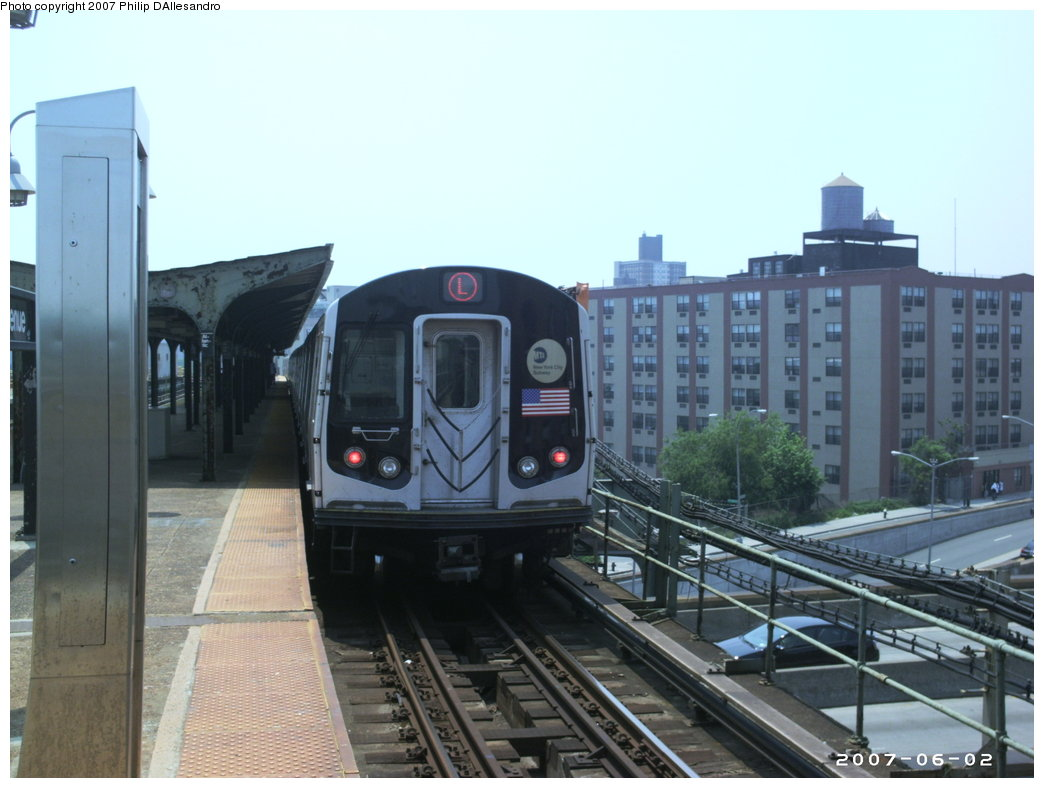 (144k, 1044x788)<br><b>Country:</b> United States<br><b>City:</b> New York<br><b>System:</b> New York City Transit<br><b>Line:</b> BMT Canarsie Line<br><b>Location:</b> Atlantic Avenue <br><b>Route:</b> L<br><b>Car:</b> R-143 (Kawasaki, 2001-2002) 8129 <br><b>Photo by:</b> Philip D'Allesandro<br><b>Date:</b> 6/2/2007<br><b>Viewed (this week/total):</b> 0 / 1529