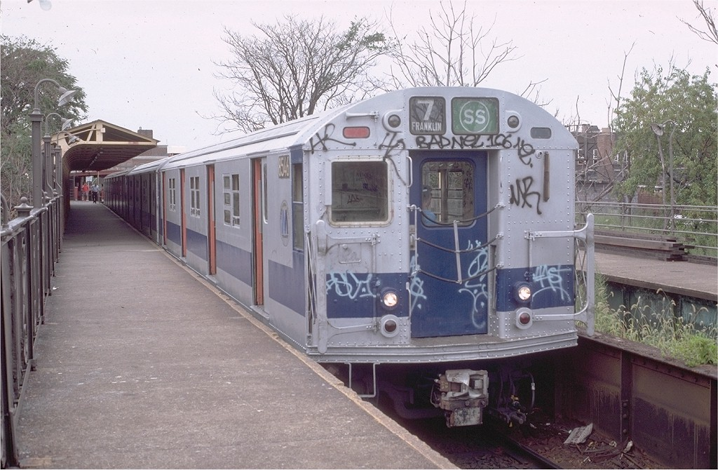 (211k, 1024x670)<br><b>Country:</b> United States<br><b>City:</b> New York<br><b>System:</b> New York City Transit<br><b>Line:</b> BMT Franklin<br><b>Location:</b> Franklin Avenue <br><b>Route:</b> Franklin Shuttle<br><b>Car:</b> R-30 (St. Louis, 1961) 8546 <br><b>Photo by:</b> Doug Grotjahn<br><b>Collection of:</b> Joe Testagrose<br><b>Date:</b> 8/22/1981<br><b>Viewed (this week/total):</b> 4 / 1856