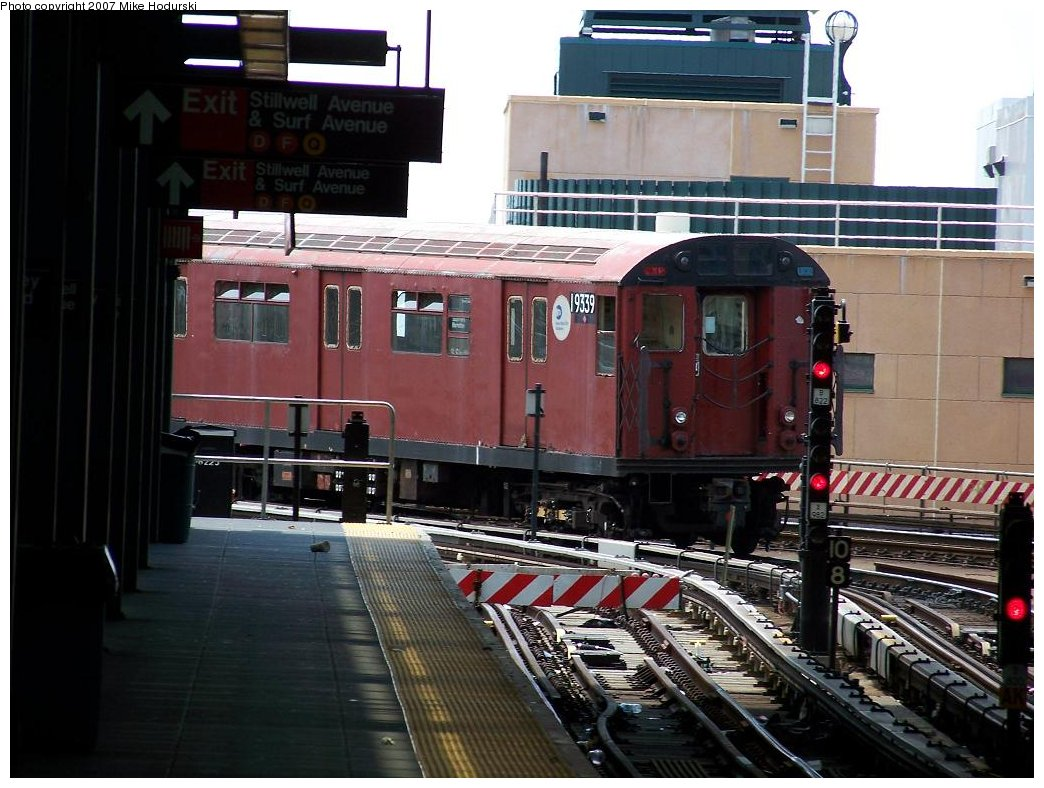 (186k, 1044x788)<br><b>Country:</b> United States<br><b>City:</b> New York<br><b>System:</b> New York City Transit<br><b>Location:</b> Coney Island/Stillwell Avenue<br><b>Route:</b> Work Service<br><b>Car:</b> R-33 World's Fair (St. Louis, 1963-64) 9339 <br><b>Photo by:</b> Michael Hodurski<br><b>Date:</b> 6/7/2007<br><b>Viewed (this week/total):</b> 0 / 1361