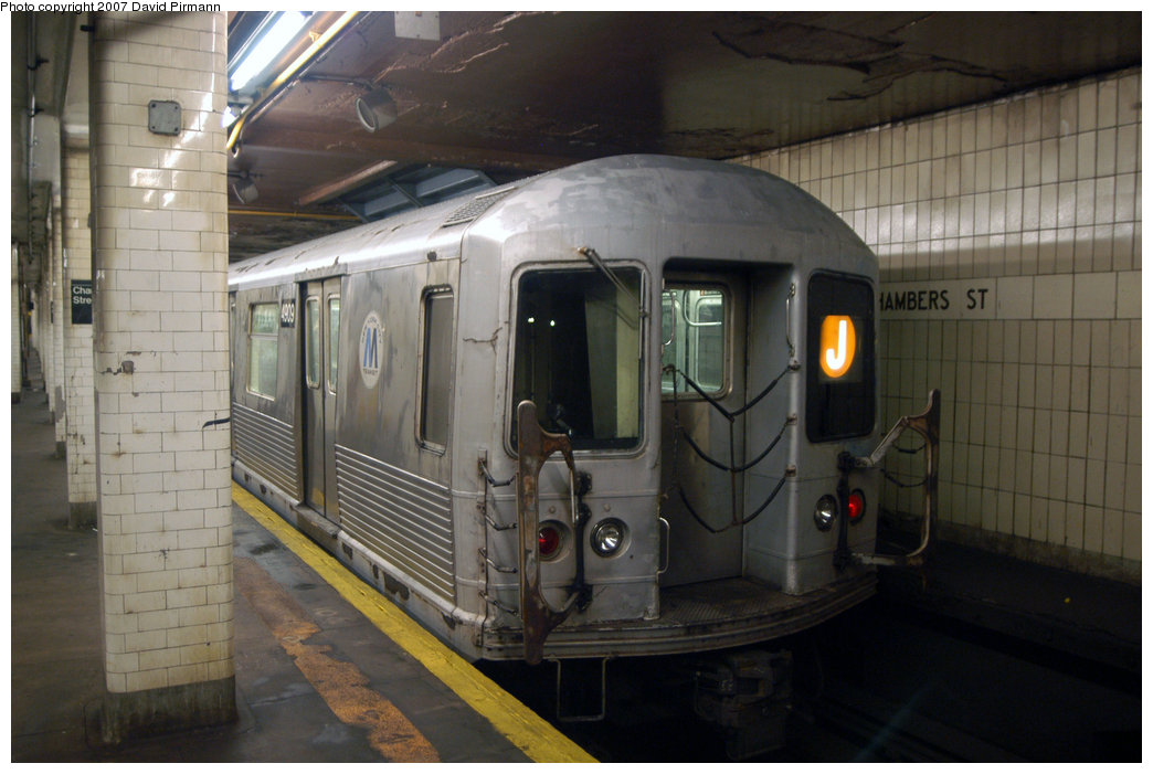 (184k, 1044x701)<br><b>Country:</b> United States<br><b>City:</b> New York<br><b>System:</b> New York City Transit<br><b>Line:</b> BMT Nassau Street/Jamaica Line<br><b>Location:</b> Chambers Street <br><b>Route:</b> J<br><b>Car:</b> R-42 (St. Louis, 1969-1970)  4909 <br><b>Photo by:</b> David Pirmann<br><b>Date:</b> 6/9/2007<br><b>Viewed (this week/total):</b> 1 / 1322