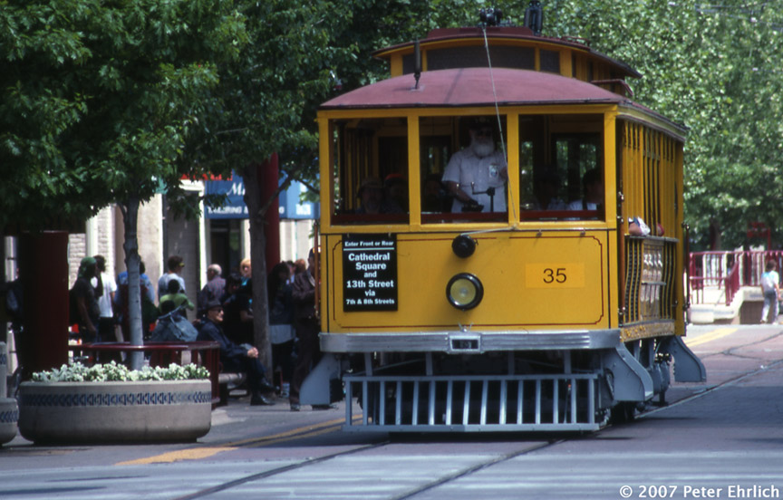 (190k, 864x552)<br><b>Country:</b> United States<br><b>City:</b> Sacramento, CA<br><b>System:</b> SACRT Light Rail<br><b>Location:</b> K Street Mall <br><b>Car:</b>  35 <br><b>Photo by:</b> Peter Ehrlich<br><b>Date:</b> 5/3/1991<br><b>Notes:</b> PG&E 35 on the K Street Mall.<br><b>Viewed (this week/total):</b> 3 / 683