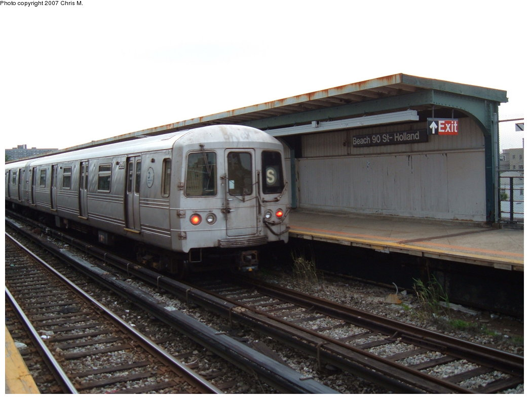 (149k, 1044x788)<br><b>Country:</b> United States<br><b>City:</b> New York<br><b>System:</b> New York City Transit<br><b>Line:</b> IND Rockaway<br><b>Location:</b> Beach 90th Street/Holland <br><b>Route:</b> S<br><b>Car:</b> R-44 (St. Louis, 1971-73) 5356 <br><b>Photo by:</b> Chris M.<br><b>Date:</b> 6/9/2007<br><b>Viewed (this week/total):</b> 0 / 1074