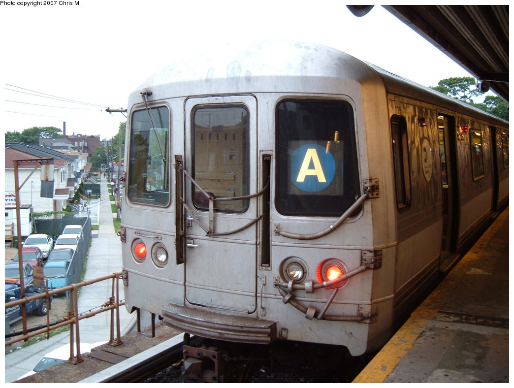 (172k, 1044x788)<br><b>Country:</b> United States<br><b>City:</b> New York<br><b>System:</b> New York City Transit<br><b>Line:</b> IND Rockaway<br><b>Location:</b> Mott Avenue/Far Rockaway <br><b>Route:</b> A<br><b>Car:</b> R-44 (St. Louis, 1971-73)  <br><b>Photo by:</b> Chris M.<br><b>Date:</b> 6/9/2007<br><b>Viewed (this week/total):</b> 1 / 1686