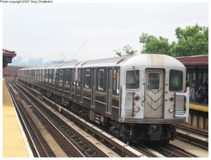 (107k, 820x620)<br><b>Country:</b> United States<br><b>City:</b> New York<br><b>System:</b> New York City Transit<br><b>Line:</b> IRT Woodlawn Line<br><b>Location:</b> 170th Street <br><b>Route:</b> 4<br><b>Car:</b> R-62 (Kawasaki, 1983-1985)  1535 <br><b>Photo by:</b> Gary Chatterton<br><b>Date:</b> 6/10/2007<br><b>Viewed (this week/total):</b> 0 / 2407