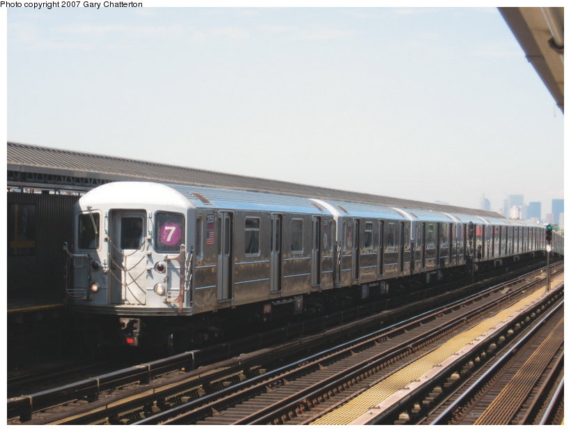 (91k, 820x620)<br><b>Country:</b> United States<br><b>City:</b> New York<br><b>System:</b> New York City Transit<br><b>Line:</b> IRT Flushing Line<br><b>Location:</b> 52nd Street/Lincoln Avenue <br><b>Route:</b> 7<br><b>Car:</b> R-62A (Bombardier, 1984-1987)  2059 <br><b>Photo by:</b> Gary Chatterton<br><b>Date:</b> 6/11/2007<br><b>Viewed (this week/total):</b> 0 / 1107