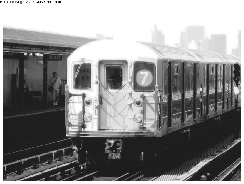 (71k, 820x620)<br><b>Country:</b> United States<br><b>City:</b> New York<br><b>System:</b> New York City Transit<br><b>Line:</b> IRT Flushing Line<br><b>Location:</b> 52nd Street/Lincoln Avenue <br><b>Route:</b> 7<br><b>Car:</b> R-62A (Bombardier, 1984-1987)  1971 <br><b>Photo by:</b> Gary Chatterton<br><b>Date:</b> 6/11/2007<br><b>Viewed (this week/total):</b> 0 / 1104