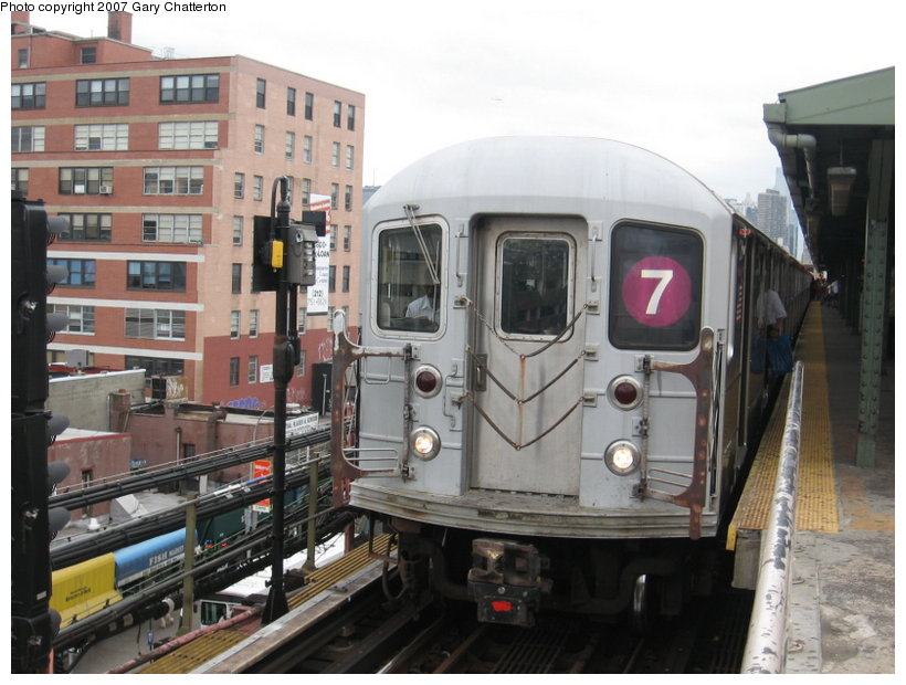(110k, 820x620)<br><b>Country:</b> United States<br><b>City:</b> New York<br><b>System:</b> New York City Transit<br><b>Line:</b> IRT Flushing Line<br><b>Location:</b> Queensborough Plaza <br><b>Route:</b> 7<br><b>Car:</b> R-62A (Bombardier, 1984-1987)  2081 <br><b>Photo by:</b> Gary Chatterton<br><b>Date:</b> 6/13/2007<br><b>Viewed (this week/total):</b> 1 / 1280