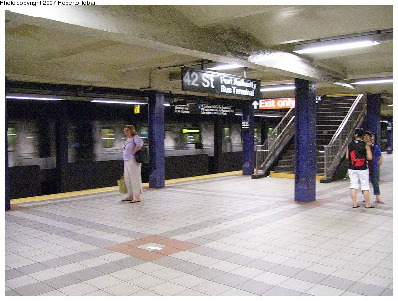 (143k, 820x620)<br><b>Country:</b> United States<br><b>City:</b> New York<br><b>System:</b> New York City Transit<br><b>Line:</b> IND 8th Avenue Line<br><b>Location:</b> 42nd Street/Port Authority Bus Terminal <br><b>Photo by:</b> Roberto C. Tobar<br><b>Date:</b> 6/18/2007<br><b>Viewed (this week/total):</b> 2 / 2473