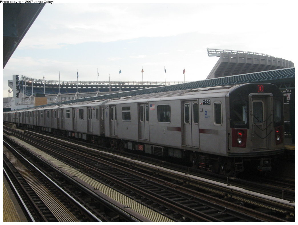 (140k, 1044x788)<br><b>Country:</b> United States<br><b>City:</b> New York<br><b>System:</b> New York City Transit<br><b>Line:</b> IRT Woodlawn Line<br><b>Location:</b> 161st Street/River Avenue (Yankee Stadium) <br><b>Route:</b> 4<br><b>Car:</b> R-142 (Option Order, Bombardier, 2002-2003)  1225 <br><b>Photo by:</b> Jorge Catayi<br><b>Date:</b> 6/10/2007<br><b>Viewed (this week/total):</b> 2 / 1563